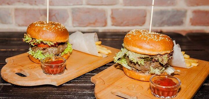 Скидка 40% на все меню кухни в ресторане-пивоварне «Августин»