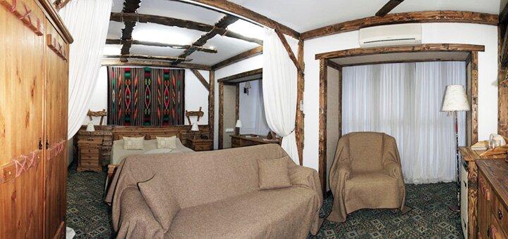 От 2 дней осенью и зимой с питанием и посещением сауны в клуб-отеле «Яремче****» в Карпатах