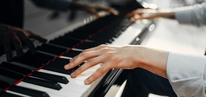 До 4 индивидуальных занятий игры на фортепиано в творческой студии «YAProject»