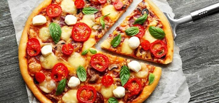 Скидка 50% на всё меню кухни, пиццу, WOK и сендвичи в пиццерии «Pizza Roll To Go»