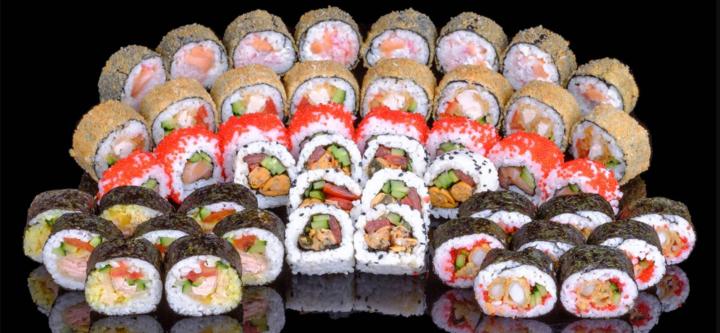 Скидка 50% на суши-сет «Мико» от службы доставки «Тако»