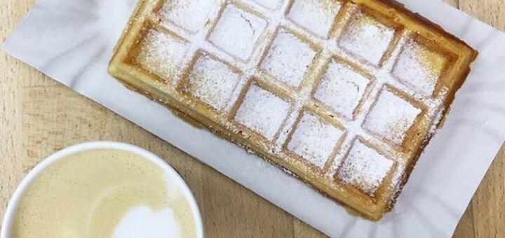 Скидка 50% на меню вафель, венгерские калачи, мороженое и напитки в кафе «Я люблю мороженое»