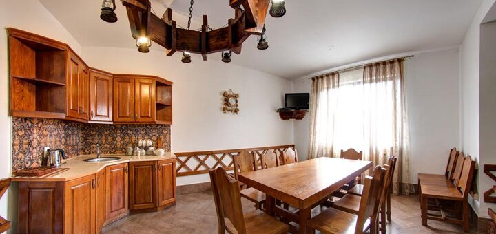 От 3 дней отдыха в начале декабря с завтраками отеле «Вилла Елена» в Буковеле