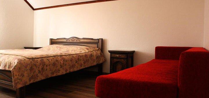 От 3 дней отдыха с завтраками в отеле «Синевир» возле легендарного озера Синевир в Межгорье