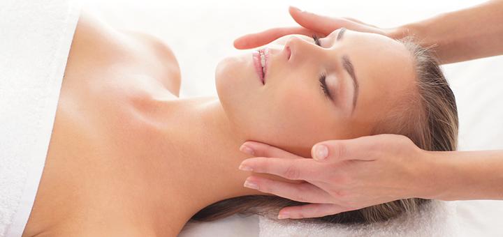 До 5 сеансов лифтинг-массажа лица, шеи и зоны декольте в студии массажа «Domini»