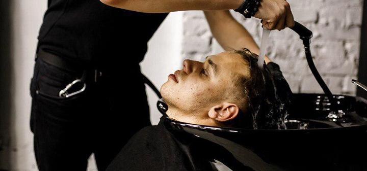 Мужская стрижка, коррекция бороды и камуфляж седины в барбершопе «Detroit»