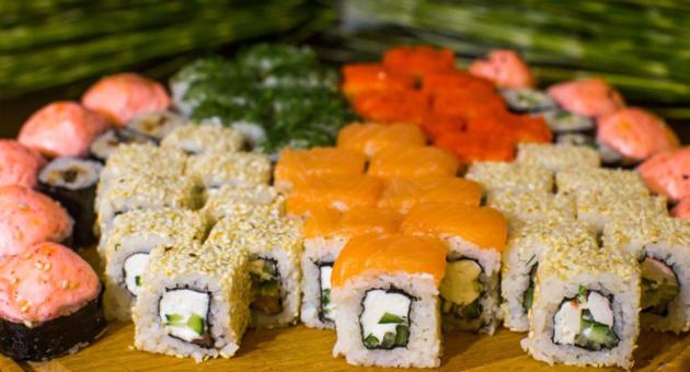 Скидка 52% на суши-сет «Festival» от сети кафе-магазинов «Суши Сет»