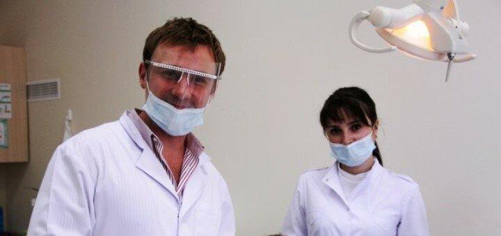 Профессиональная ультразвуковая и Air-Flow чистка зубов в стоматологии доктора Лозового
