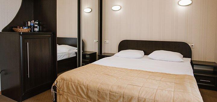 От 3 дней с питанием, массажем и оздоровлением в отеле «Золотая Корона» в Трускавце
