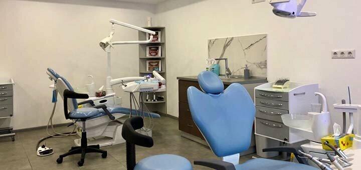 Скидка до 54% на установку металлокерамических или циркониевых коронок в клинике «Diva Dent»