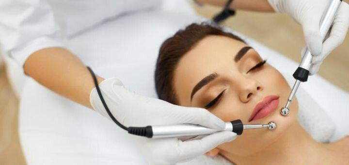 До 10 сеансов микротоковой терапии лица и шеи от косметолога Артемчук Анжелы