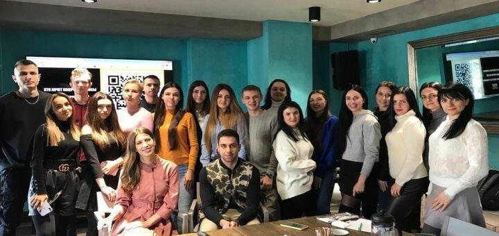 До 12 месяцев членства в клубе молодых предпринимателей «Business Cartel»