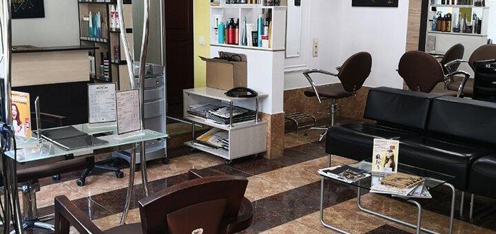 Окрашивание волос с защитой, закреплением цвета и укладкой в салоне «SJ&TEAM»