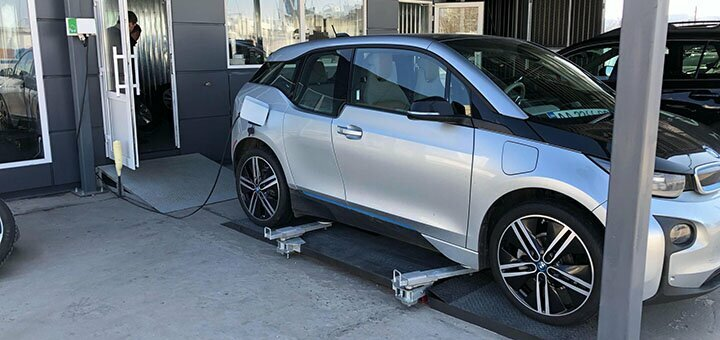 Шиномонтаж 4 колес радиусом от R13 до R22 для автомобиля от компании «Гараж»