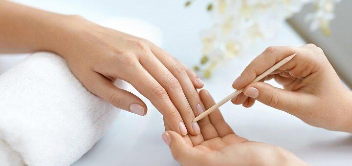 Скидка до 62% на маникюр и педикюр c покрытием и укреплением ногтей в кабинете подологии