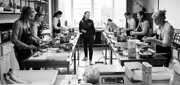 Кондитерский мастер-класс «Штрудель и соусы» от Елены Мироненко в кулинарной студии «GastroLOFT»