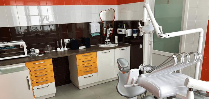 Скидка 50% на установку металлокерамической коронки в стоматологической клинике Морозова