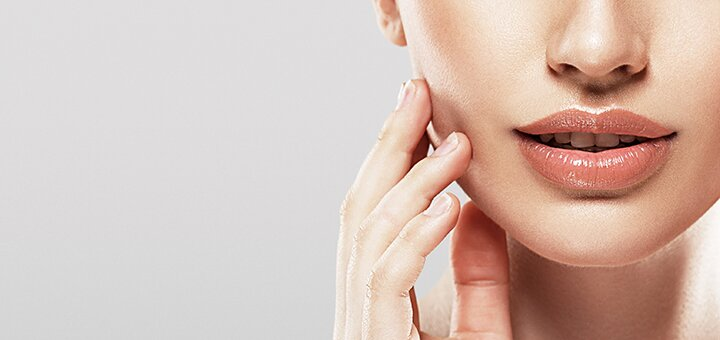 Скидка до 58% на контурную пластику губ в клинике «IMP clinic»