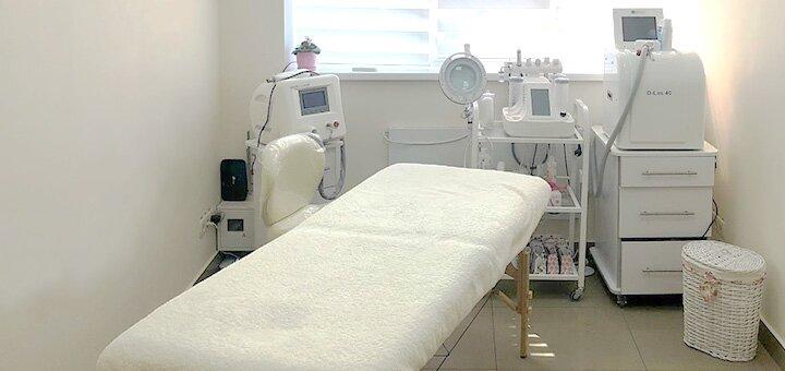 До 3 сеансов лазерного карбонового пилинга в студии косметологии «Esthetic Beauty studio»