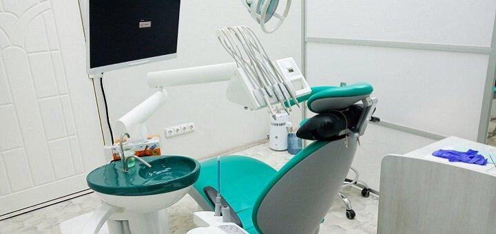 Скидка до 78% на ультразвуковую чистку, Air-Flow и полировку зубов у доктора Калашникова