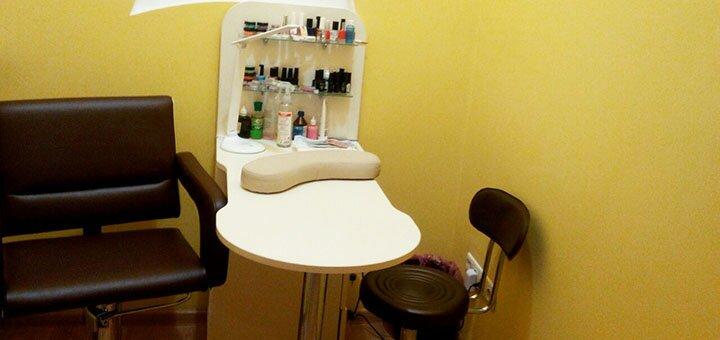 Маникюр, педикюр с покрытием гель-лаком в салоне красоты «Живана»