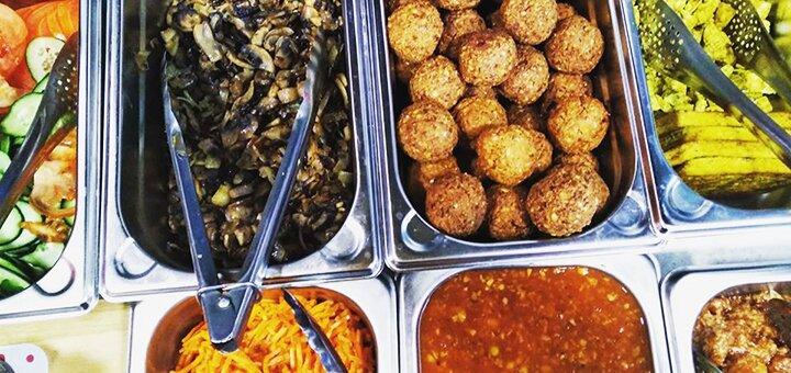Фалафелевий, грибний, сирний, м'ясний, рибний або мікс рол у веганському фаст-фуді «Вегануті»
