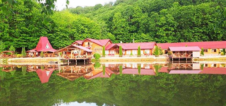 От 3 дней отдыха осенью с питанием и пакетом услуг в SPA-отеле «Астур» в Закарпатье