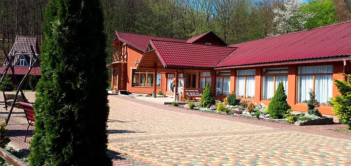 От 3 дней отдыха с питанием и пакетом услуг в SPA-отеле «Астур» в Закарпатье