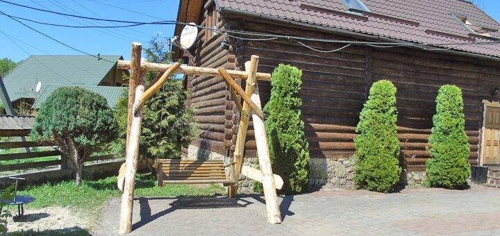 От 3 дней в бархатный сезон и осенью в коттедже с бассейном в отеле «Wood house» в Татарове