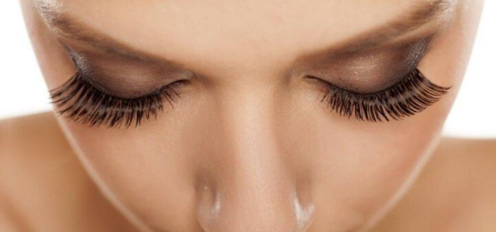 Скидка до 56% на наращивание ресниц, коррекцию и окрашивание бровей в «Lashes & brows»