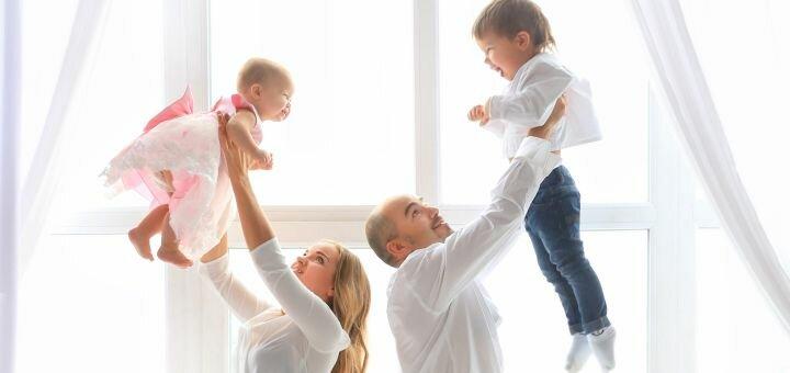 Студийная семейная фотосессия «Happy family» от фотостудии «Art Home Photography»
