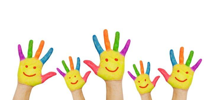 До 6 занятий для детей по росписи на ткани, гипсе или керамике в студии «Песочный остров»