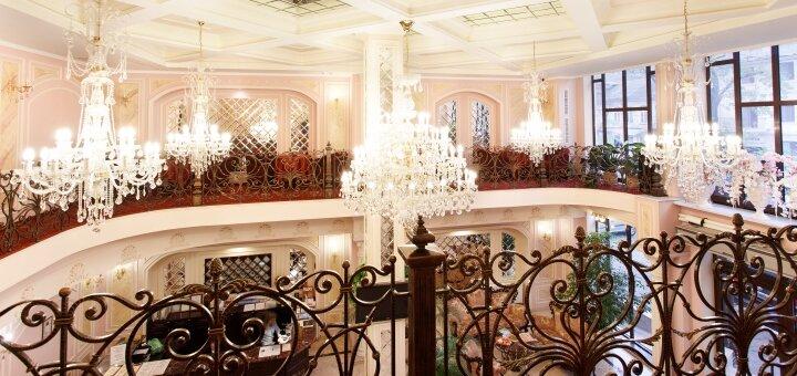 Скидка 40% на все меню кухни и бара в ресторане пятизвездочного отеля «Калифорния»