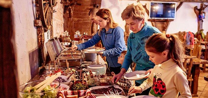 От 3 дней отдыха на майские праздники с завтраками в отеле «Гора» в Буковеле
