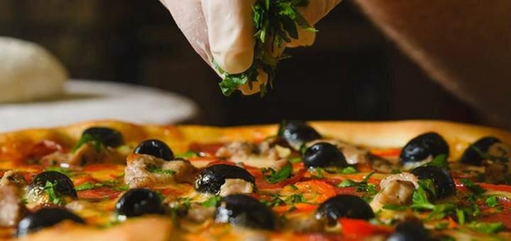 Скидка 40% на пиццы от службы доставки сети пиццерий «Pizza House»