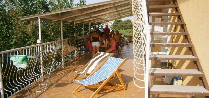 От 4 дней семейного отдыха в августе в отеле «Эллада» в Черноморске на берегу Черного моря