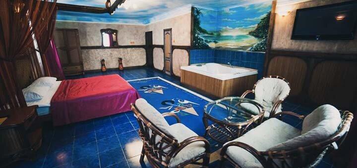 От 2 дней отдыха с бассейном, завтракам в будние в отеле «Вышеград» с видом на озеро под Киевом
