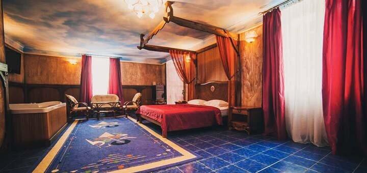 От 2 дней отдыха с завтраками в отеле «Вышеград» с видом на озеро под Киевом