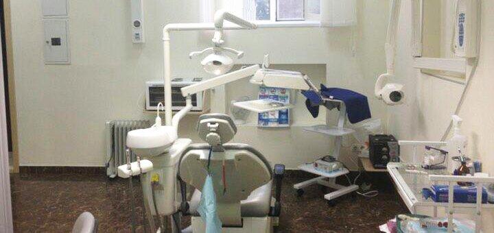 Скидка до 61% на установку имплантов «Neobiotech» в стоматологической клинике «TenDDenT»