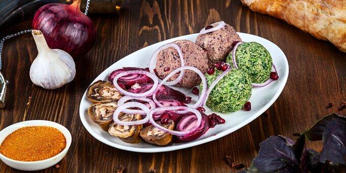 Скидка 50% на меню кухни и алкоголь с доставкой или самовывозом в «Гурія» на Староказацкой