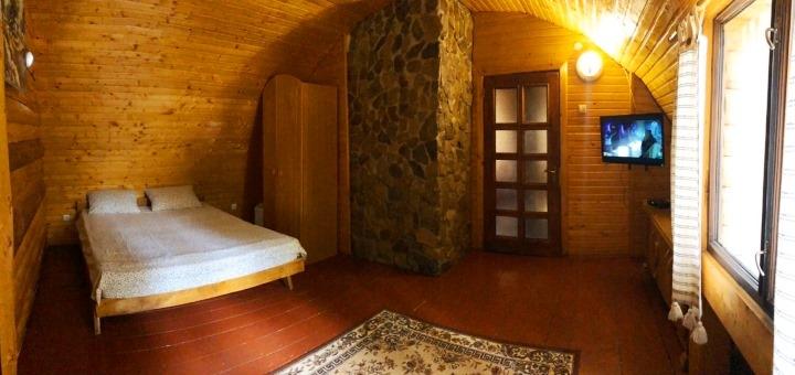 От 2 дней отдыха с трехразовым питанием и бассейном с термальной водой в отеле «Срібні Води»