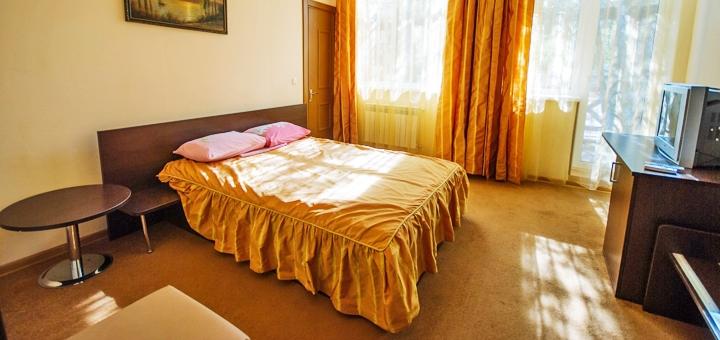 От 3 дней отдыха в июне и сентябре в отеле «На курорте» в Бердянске на Азовском море
