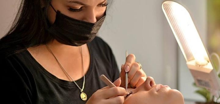 Скидка до 50% на наращивание ресниц в косметологическом кабинете Ксении Затынацкой