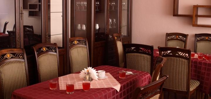 От 2 дней отдыха с питанием и лечением в отеле «Солнечный» в Закарпатье