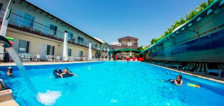От 2 дней отдыха летом в пансионате с бассейном «Fortecia» в Железном Порту