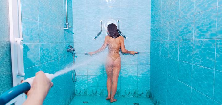 Скидка до 53% на сеансы душа Шарко в сети салонов красоты «Майами»