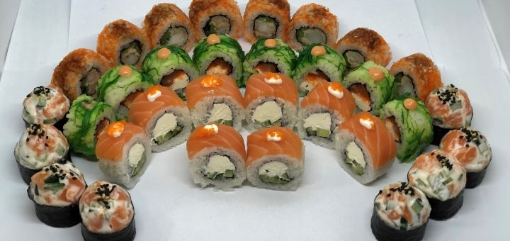 Скидка 40% на всё меню, суши и WOK с доставкой или на вынос от «Море суши»