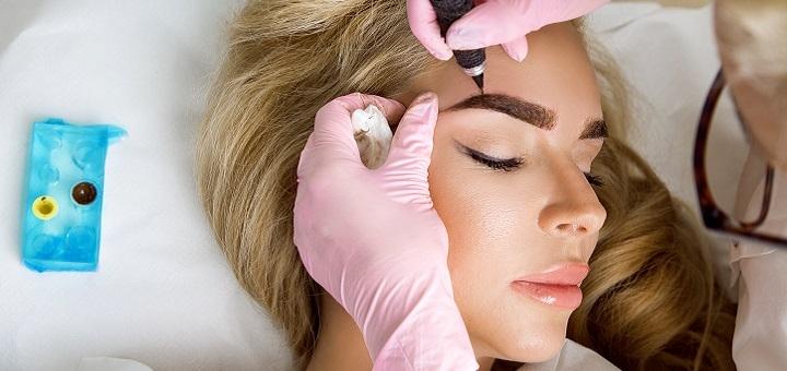 Перекрытие или удаление некачественного перманентного макияжа от центра «Идеальный контур»