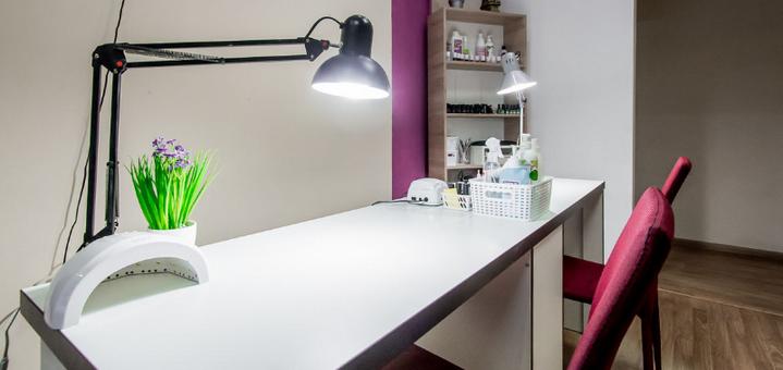 Маникюр и педикюр с покрытием гель-лаком в салоне красоты «Arlen beauty space»