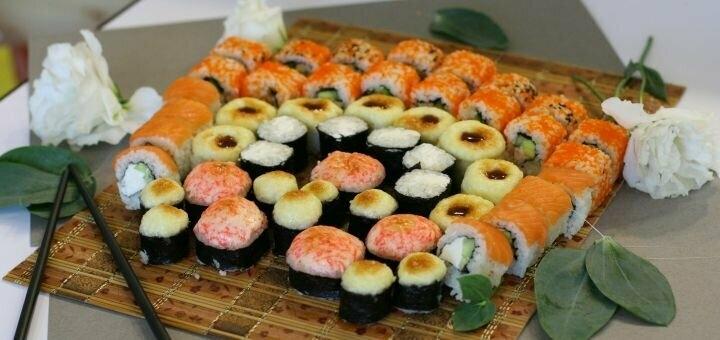 Скидка 50% на килограммовый суши-сет «Мацури» от магазина-ресторана японской кухни «Суши WOK»
